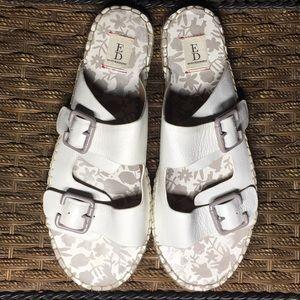 NWOT Ellen Degeneres White sandals size 10